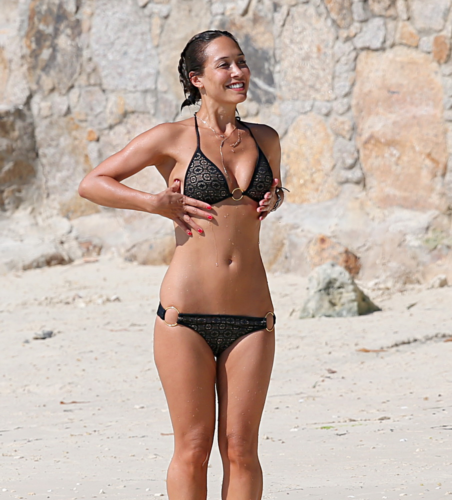 myleene-wlass-wearing-a-black-bikini-in-thailand-22
