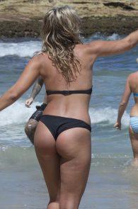 natasha-oakley-and-devin-brugman-wearing-black-bikinis-on-mondi-beach-08