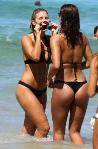 natasha-oakley-and-devin-brugman-wearing-black-bikinis-on-mondi-beach-14