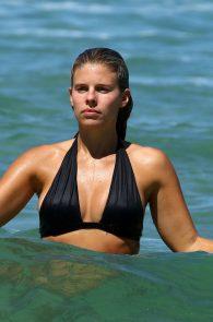natasha-oakley-and-devin-brugman-wearing-black-bikinis-on-mondi-beach-18