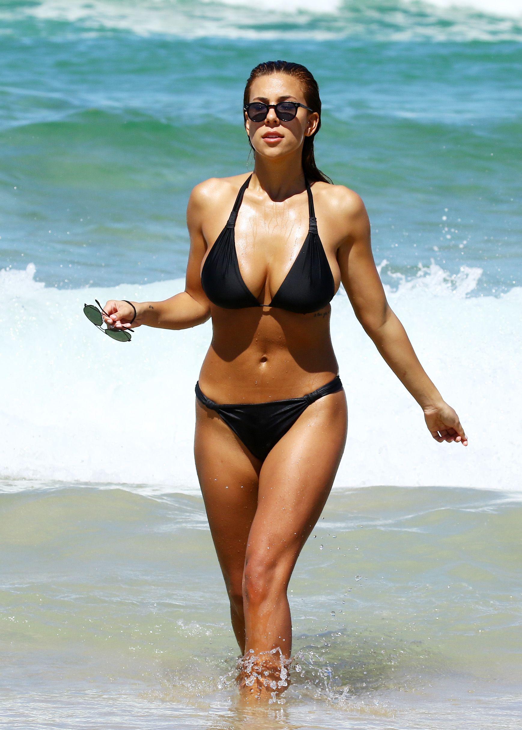 Natasha Oakley, Devin Brugman Bikini naked 550