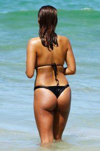 natasha-oakley-and-devin-brugman-wearing-black-bikinis-on-mondi-beach-21