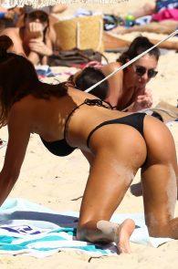 natasha-oakley-and-devin-brugman-wearing-black-bikinis-on-mondi-beach-30