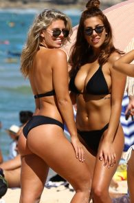 natasha-oakley-and-devin-brugman-wearing-black-bikinis-on-mondi-beach-39