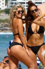 natasha-oakley-and-devin-brugman-wearing-black-bikinis-on-mondi-beach-57