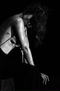 rihanna-nipples-in-kiss-it-better-music-video-promo-11