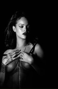 rihanna-nipples-in-kiss-it-better-music-video-promo-12