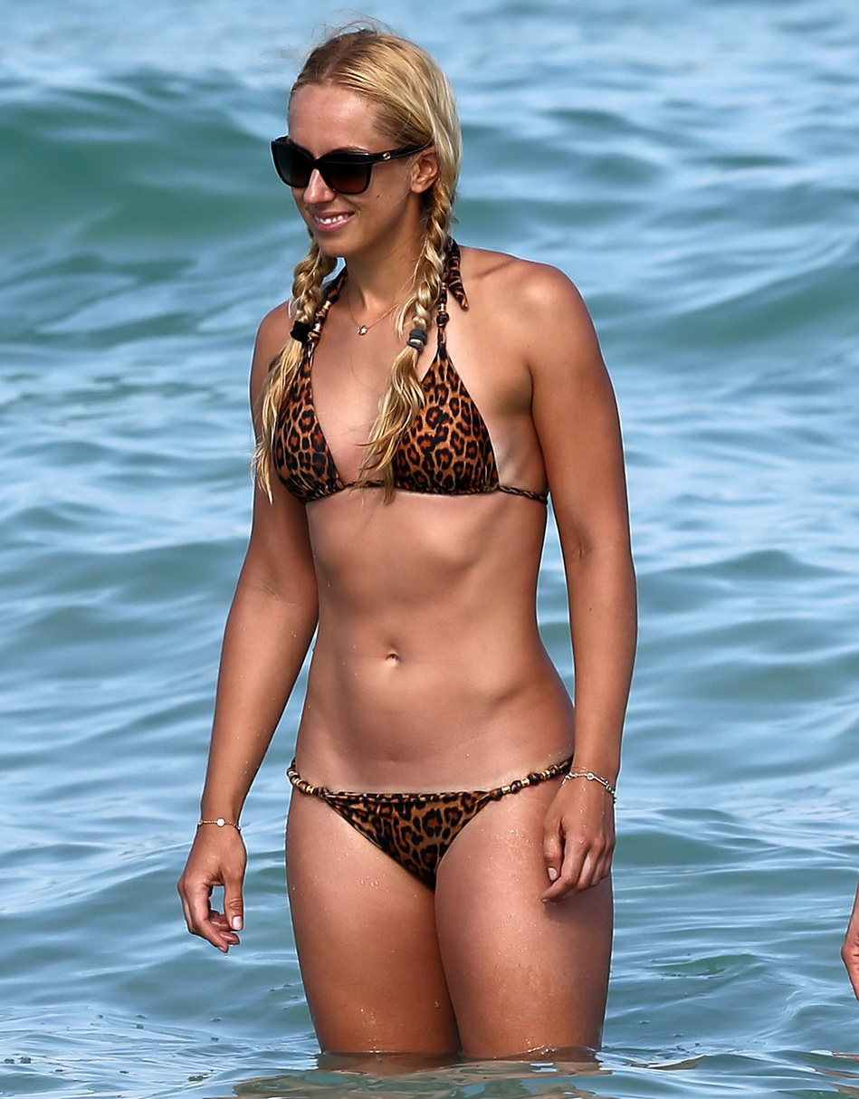 sabine-lisicki-wearing-a-bikini-in-miami-28
