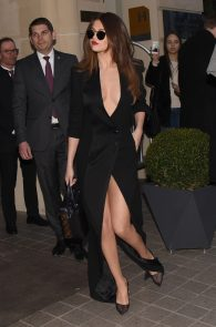 selena-gomez-cleavage-and-upskirt-in-paris-04