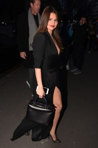 selena-gomez-cleavage-and-upskirt-in-paris-10