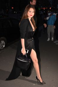 selena-gomez-cleavage-and-upskirt-in-paris-11