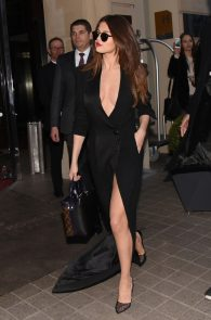 selena-gomez-cleavage-and-upskirt-in-paris-12