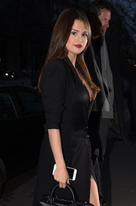 selena-gomez-cleavage-and-upskirt-in-paris-19