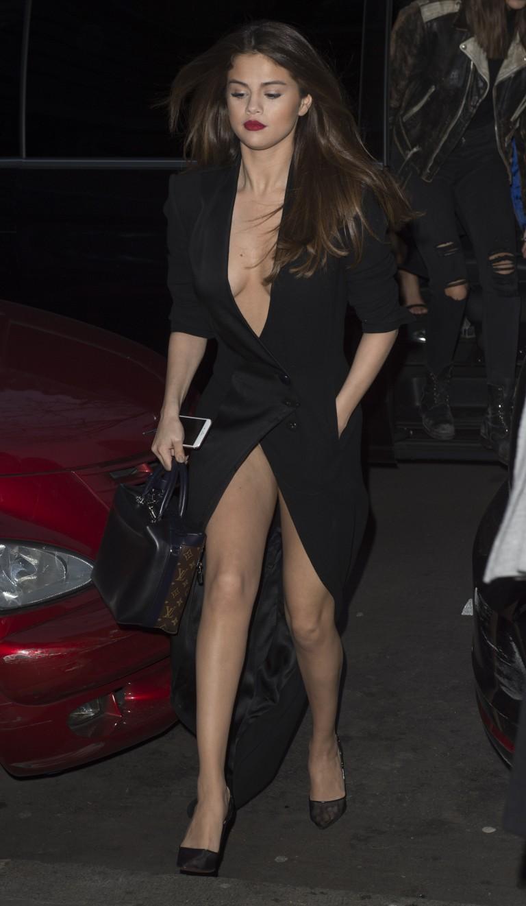 Nena Selena gomez desnuda