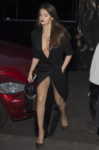 selena-gomez-cleavage-and-upskirt-in-paris-36