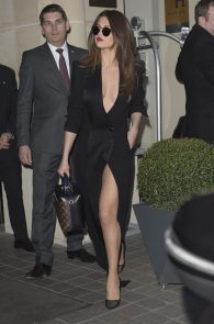 selena-gomez-cleavage-and-upskirt-in-paris-37