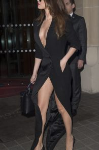selena-gomez-cleavage-and-upskirt-in-paris-41