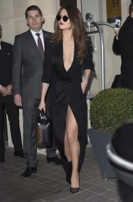 selena-gomez-cleavage-and-upskirt-in-paris-45