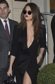 selena-gomez-cleavage-and-upskirt-in-paris-49