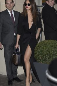 selena-gomez-cleavage-and-upskirt-in-paris-50
