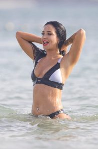 tulisa-contostavlos-wearing-a-bikini-in-dubai-19