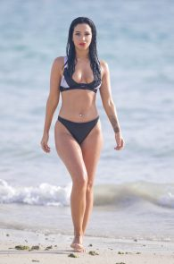 tulisa-contostavlos-wearing-a-bikini-in-dubai-31