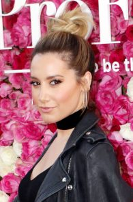 ashley-tisdale-nipple-pasties-at-mother-s-day-premiere-15