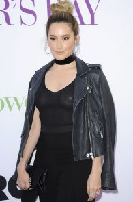 ashley-tisdale-nipple-pasties-at-mother-s-day-premiere-17