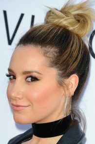 ashley-tisdale-nipple-pasties-at-mother-s-day-premiere-22