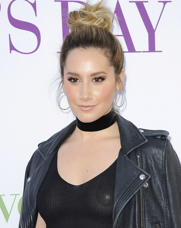 ashley-tisdale-nipple-pasties-at-mother-s-day-premiere-23