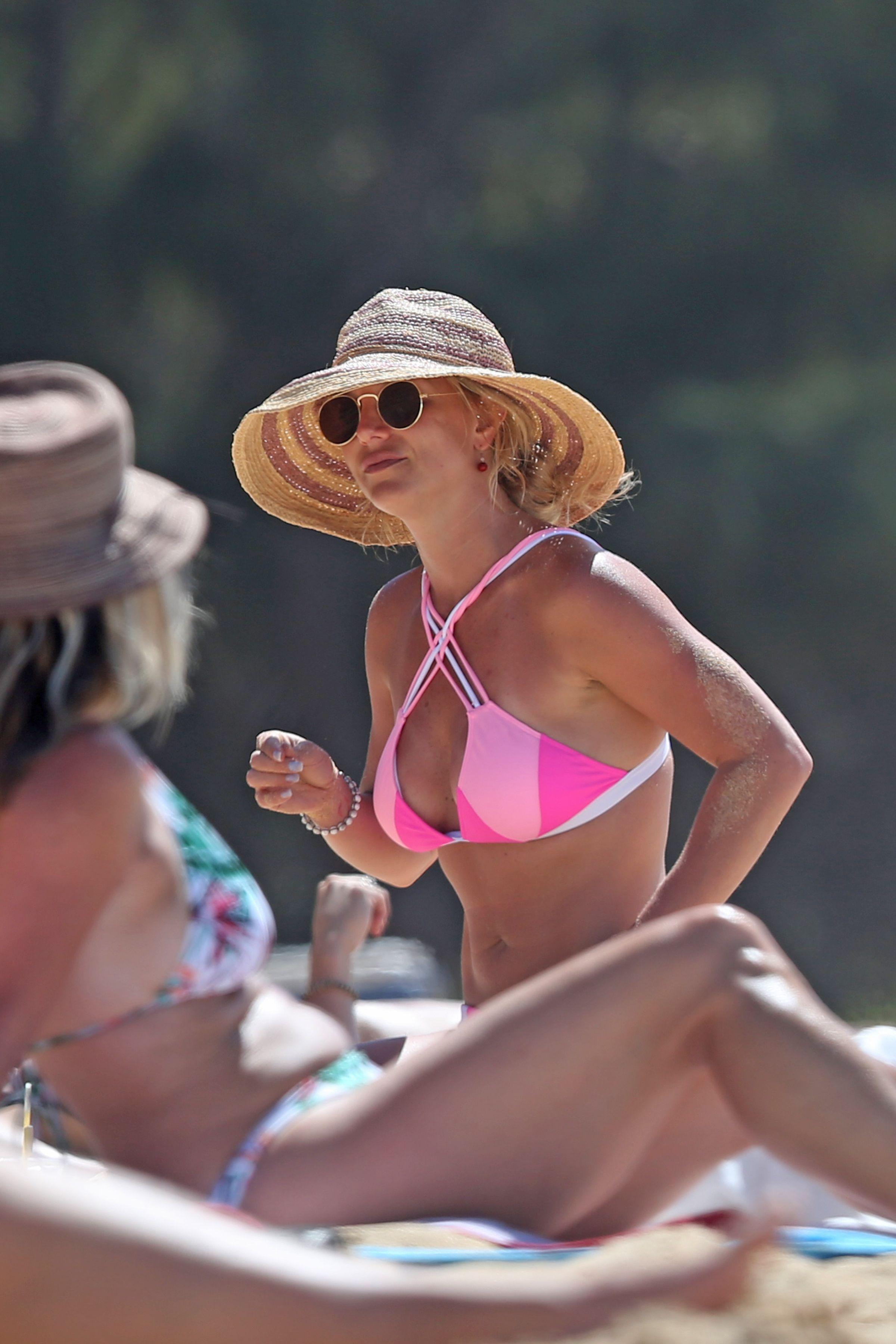 Spears pink bikini