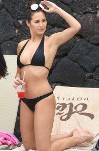 chloe-goodman-ass-in-bikini-poolside-in-lanzarote-02