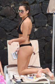 chloe-goodman-ass-in-bikini-poolside-in-lanzarote-03