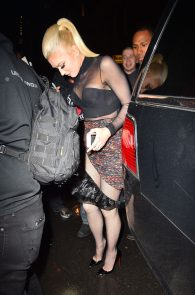 gwen-stefani-panty-peek-upskirt-at-snk-after-party-in-ny-06