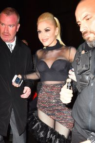 gwen-stefani-panty-peek-upskirt-at-snk-after-party-in-ny-08
