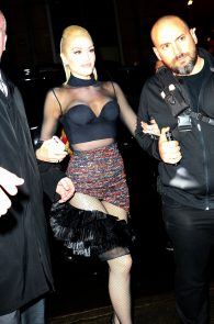 gwen-stefani-panty-peek-upskirt-at-snk-after-party-in-ny-11