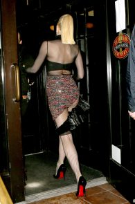 gwen-stefani-panty-peek-upskirt-at-snk-after-party-in-ny-17