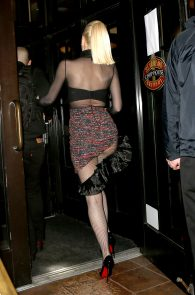 gwen-stefani-panty-peek-upskirt-at-snk-after-party-in-ny-18