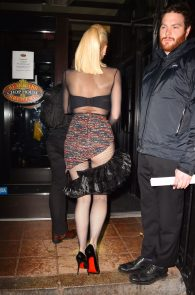 gwen-stefani-panty-peek-upskirt-at-snk-after-party-in-ny-22