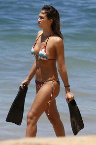 jessica-alba-wearing-a-bikini-in-hawaii-321