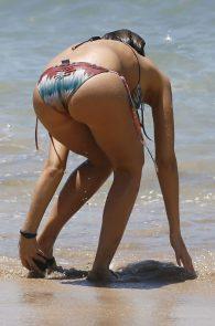 jessica-alba-wearing-a-bikini-in-hawaii-325