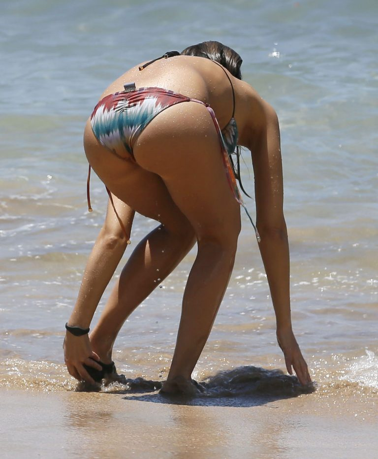 The jessica alba bikini ass