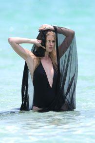lara-stone-topless-photoshoot-in-miami-12