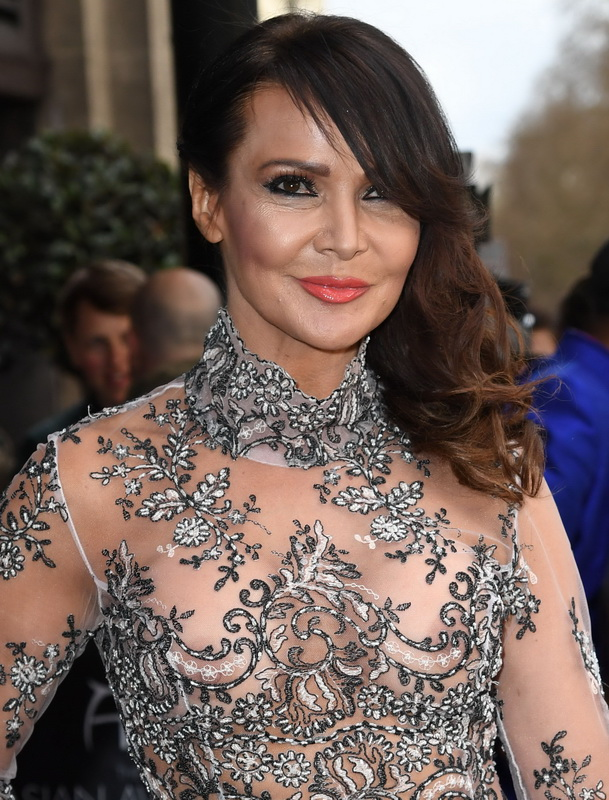 lizzie-cundy-braless-see-through-to-nipples-and-thong-asian-awards-in-london-15