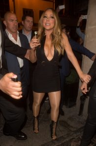 mariah-carey-nipple-pasties-at-vip-room-accor-hotels-arena-in-paris-02