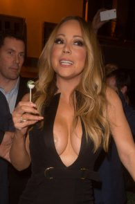 mariah-carey-nipple-pasties-at-vip-room-accor-hotels-arena-in-paris-05