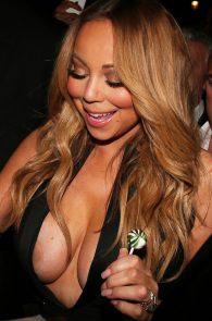mariah-carey-nipple-pasties-at-vip-room-accor-hotels-arena-in-paris-10