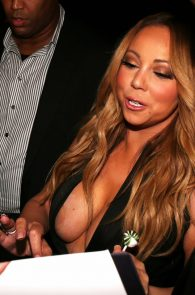 mariah-carey-nipple-pasties-at-vip-room-accor-hotels-arena-in-paris-11