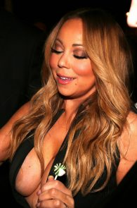 mariah-carey-nipple-pasties-at-vip-room-accor-hotels-arena-in-paris-12