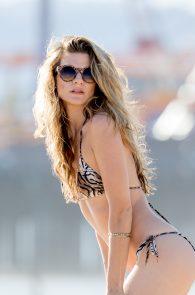 rachel-mccord-wearing-a-bikini-on-the-beach-in-la-03